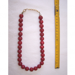 Schmuck - Ketten - mit dunkelroten Perlen