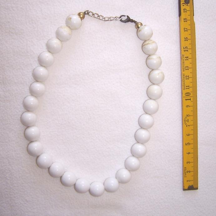 Schmuck - Ketten - mit weißen Perlen