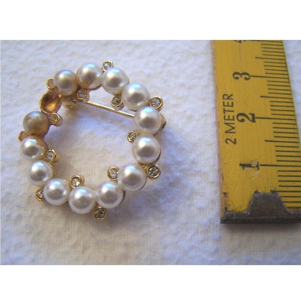 Schmuck - Broschen - Perlenbrosche mit Anstecknadel