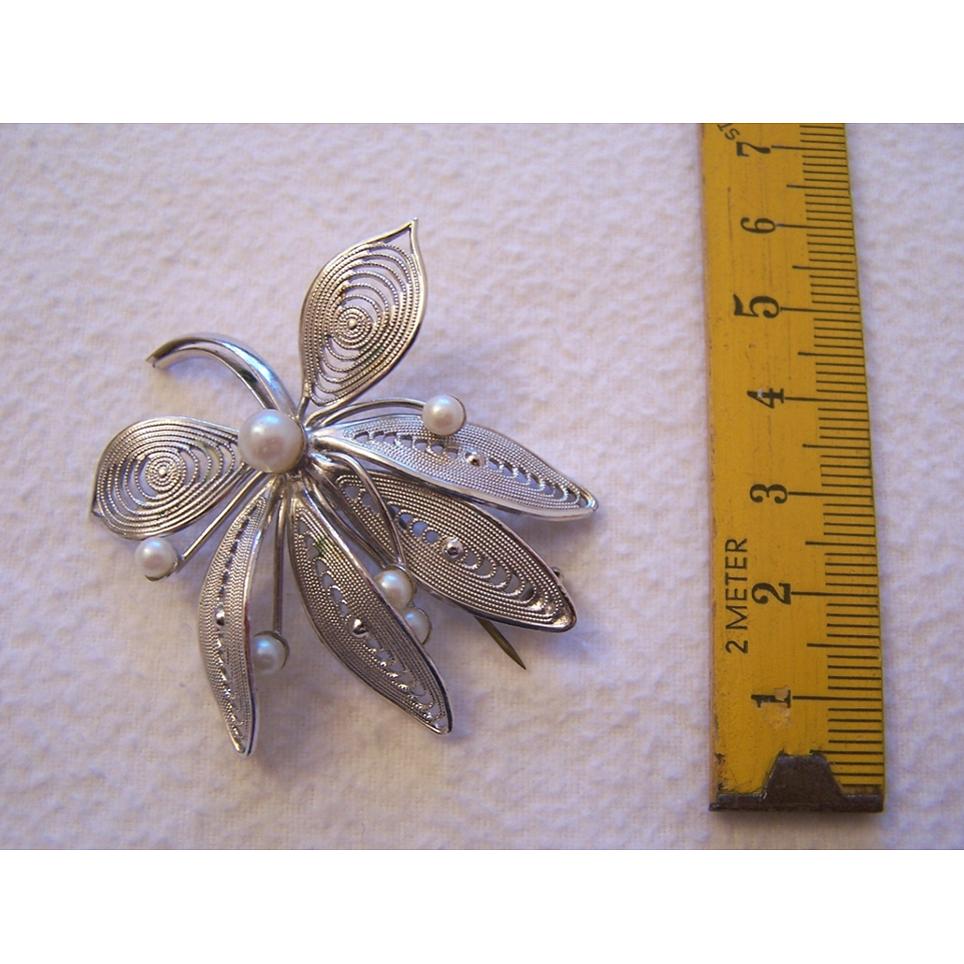 Schmuck - Broschen - Anstecknadel Blätter mit Perlen