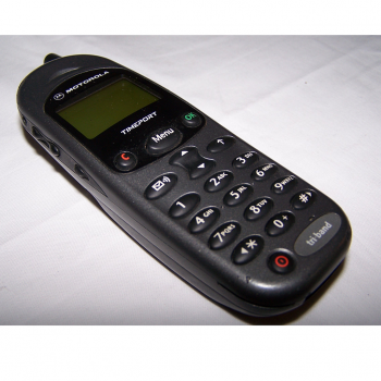 Büro - IT & Kommunikation - Mobiltelefon Motorola Timeport triband quer