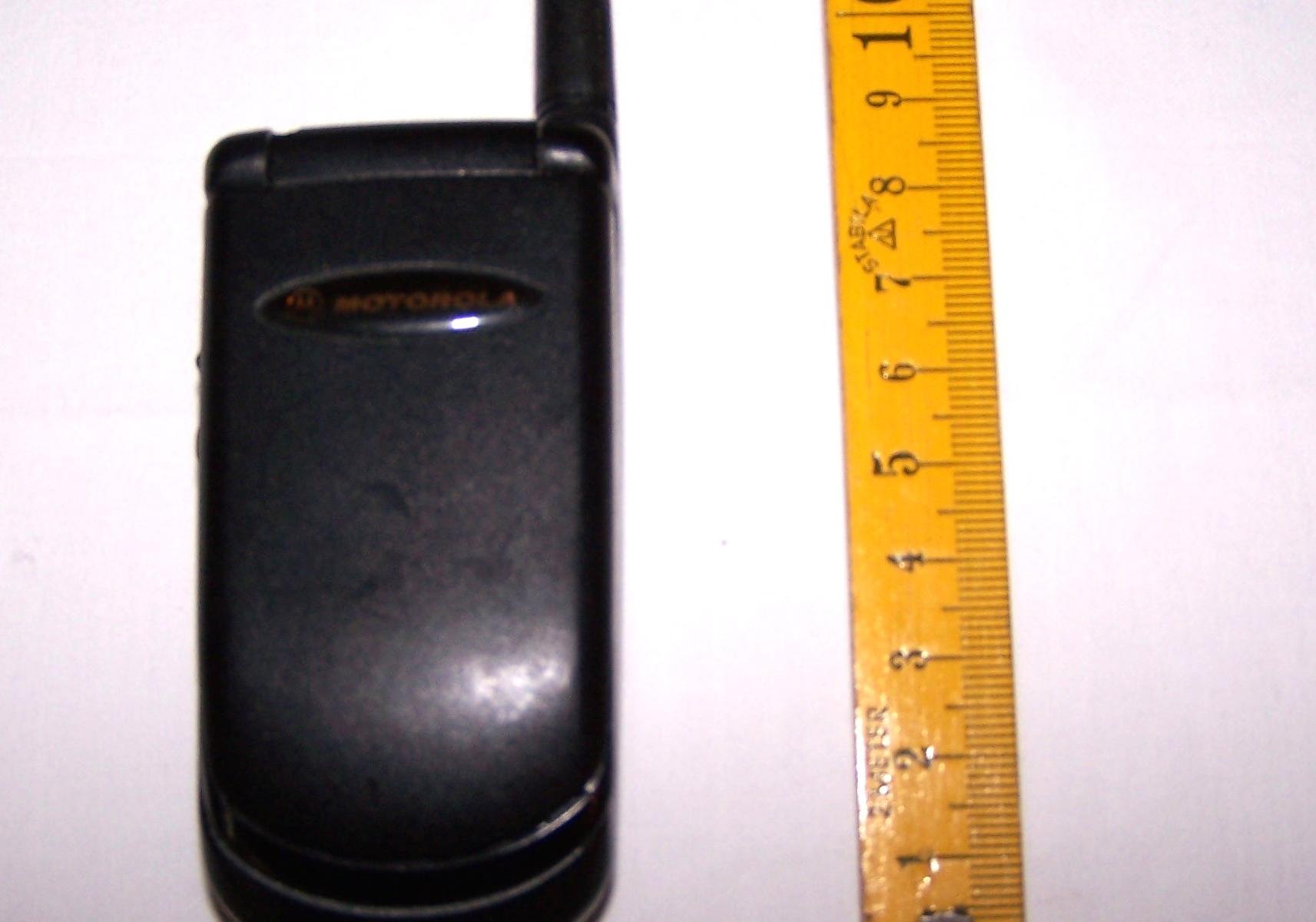 Büro - IT & Kommunikation - Mobiltelefon Motorola V3688