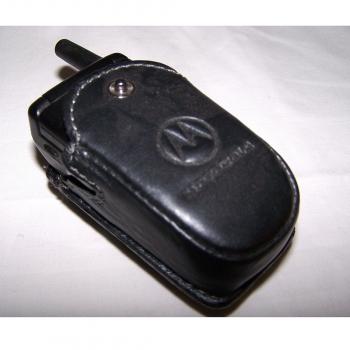 Büro - IT & Kommunikation - Mobiltelefon Motorola V3688 im Gürteletui