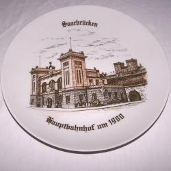 Souvenirs - Haushalt - Dekoration - Wandteller - Saarbrücken Hauptbahnhof um 1900