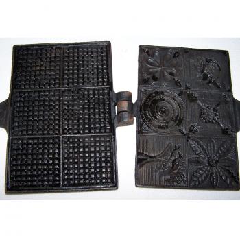 Haushalt - kochen & backen - gusseisernes Zimtwaffeleisen (2) - Backflächen