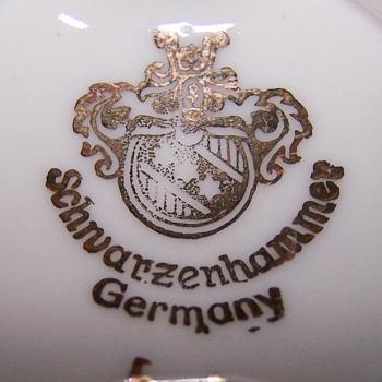 Haushalt - servieren - Sammeltassen - Schwarzenhammer - Manufakturstempel
