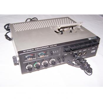 Audio-Video-Photo - Stereo-Cassetten-Recorder ITT 740 AV