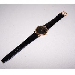 Schmuck - Uhren - Armbanduhr mit schwarzem Lederband, Schwarzes Ziffernblatt und goldfarbenes Gehäuse - Motorola