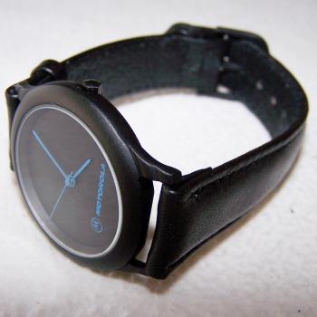 Schmuck - Uhren - Armbanduhr wasserdicht mit Lederarmband und blauen Zeigern - geschlossen