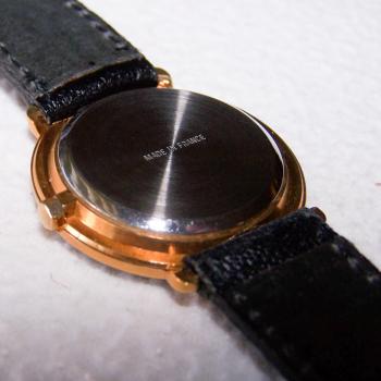 Schmuck - Uhren - Armbanduhr - ziffernblatt mit horizontalem Muster - Rückseite