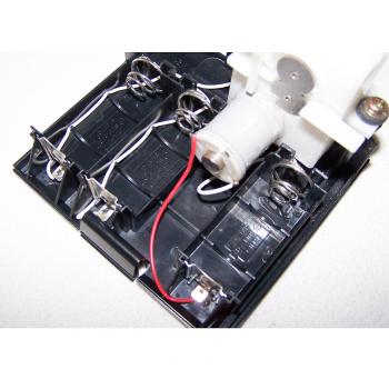 Büro - Bürowerkzeuge - Elektrischer Brieföffner - Batteriefach