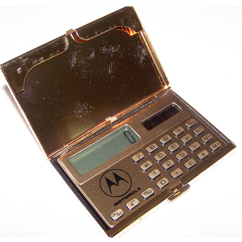 Büro - Bürowerkzeuge - Solartaschenrechner im 24K vergoldeen Kartenetui - geöffnet