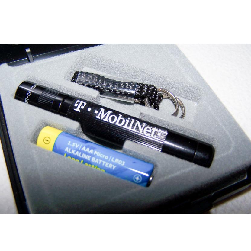 Haushalt - Sicherheit - Taschenlampe Mag-Lite Solitaire - Etui offen