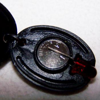 Haushalt - Sicherheit - Taschenlampe LED Schlüsselanhänger - Batteriefach