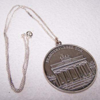 Hobby - Münzen & Medaillen - Erinnerungsmedaille Brandenburger Tor an Händlertreffen 1995 in Berlin - Vorderseite