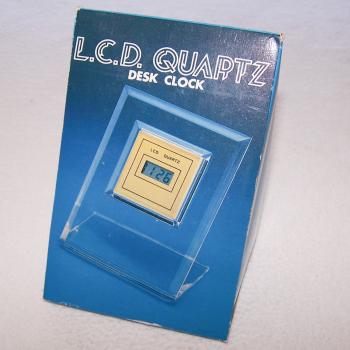 Haushalt - Messen & Regeln - LCD Quarz-Tischuhr - originalverpackt