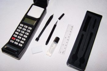 Büro - Bürowerkzeuge - Organizer in Funkgeräteform - Inhalt