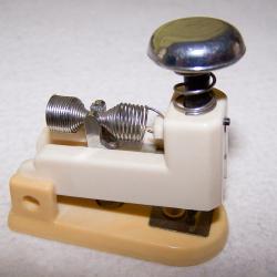 Büro - Bürowerkzeuge - Mini-Heftmaschine