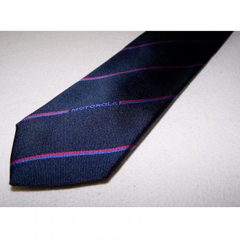 Bekleidung - Krawatten - schwarz mit rot/blauen Streifen und Motorola-Schriftzug - Detailansicht
