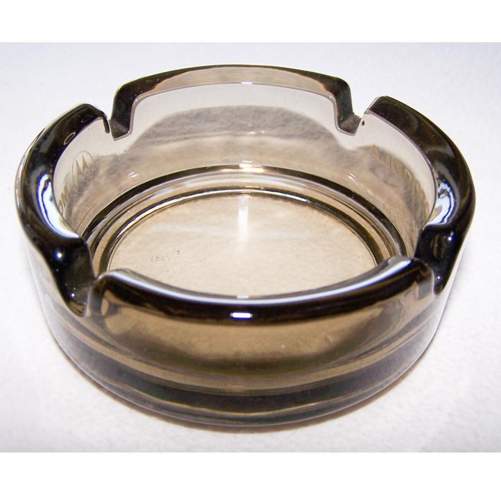 Haushalt - servieren - Aschenbecher aus dunkelbraun getöntem Glas