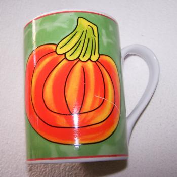 Haushalt - servieren - Geschirr - Kaffee-/Tee-/Milchbecher - 3er Set Blüten-Obst - Kürbis
