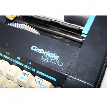Büro - Bürowerkzeuge - Schreibwerkzeuge - Elektrische Reiseschreibmaschine TA Gabriele Cyclo - Modellbeschriftung