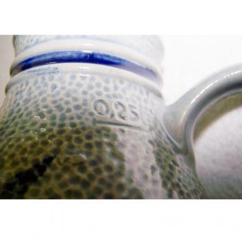Haushalt - servieren - Steingutkrüge und -becher - Gerzit Staffel Stoneware - Krug - 0,25 l-Eichstrich
