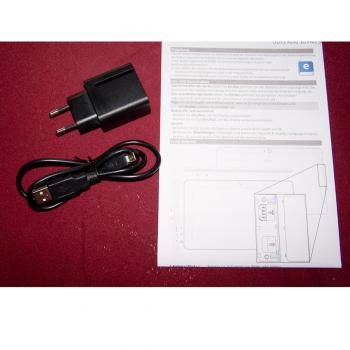 Büro - IT & Kommunikation - Tablet-PC - Bedienungsanleitung und Micro USB-Kabel