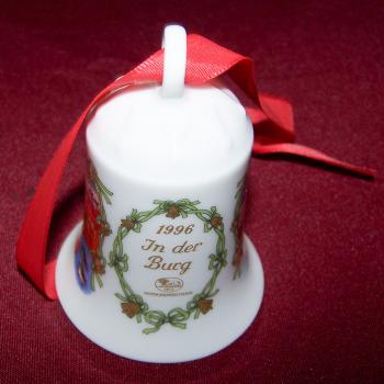 Haushalt - Dekoration - Hutschenreuther Weihnachtsglöckchen 1996 - In der Burg