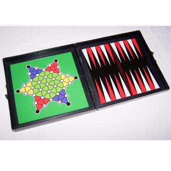 Spiele - Klassische Brettspielsammlung für die Reise von Simba - Halma und Backgammon