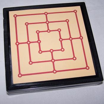 Spiele - Klassische Brettspielsammlung für die Reise von Simba - Mühle