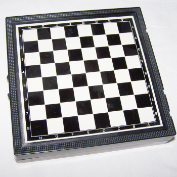 Spiele - Klassische Brettspielsammlung für die Reise von Simba - Schach