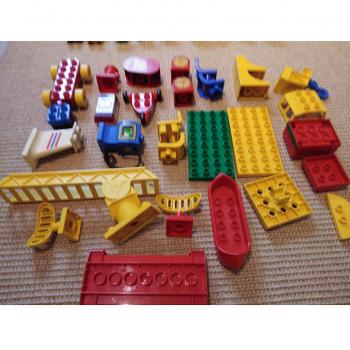 Spiel - Lego-Bausteine mit Sonderformen und Figuren - Varianten 2