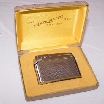 Haushalt - Raucherzubehör - Gas-Feuerzeug Compound von Silver Match - im Etui