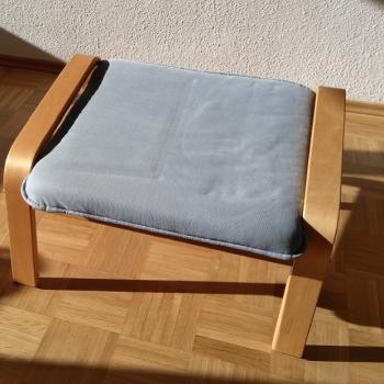Möbel - Hocker mit Holzrahmen
