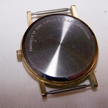 Schmuck - Uhren - Armbanduhr ohne Armband - Rückseite